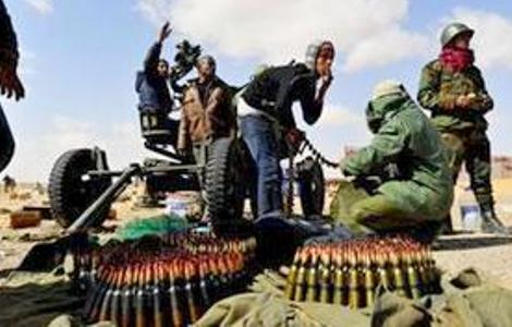 Libye: Mogherini demande que la force navale européenne contrôle l'embargo sur les armes