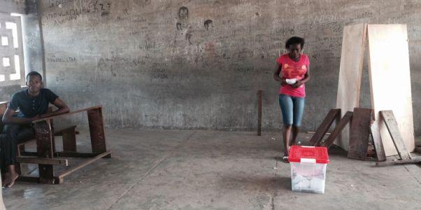 Référendum au Congo : les électeurs désertent les bureaux de vote à Brazzaville