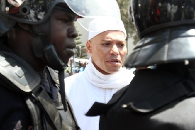 Sénégal : Karim Wade remporte une manche importante à Paris